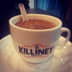 Photo taken at Killiney Kopitiam by Michele H. on 8/29/2013