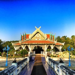 Photo taken at วัดอ้อน้อย by Ome T. on 1/2/2015