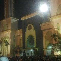 Photo taken at Masjid Agung AL-BARKAH Bekasi ® by Hussein A. on 11/5/2015