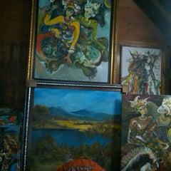 Photo taken at Pasar Seni Ancol by Ian A. on 9/27/2015