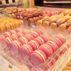 Photo taken at Pierre Hermé by KMCN P. on 9/30/2015