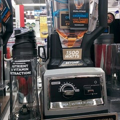 Photo taken at Bed Bath & Beyond by Christian D. on 1/19/2014
