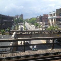 Photo taken at CTA - Wilson by Kevin K. on 6/10/2013