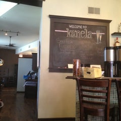 Photo taken at Kanela Breakfast Club by Kevin K. on 4/29/2013