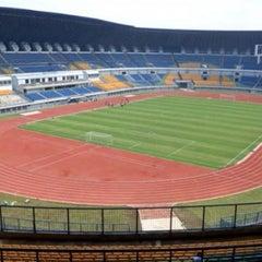 Photo taken at Stadion Gelora Bandung Lautan Api (GBLA) by Daddy H. on 11/17/2013
