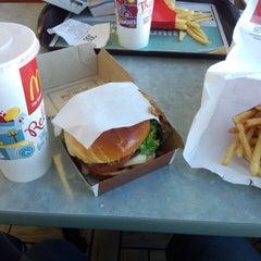 Photo taken at McDonald's by Takenori N. on 3/17/2014