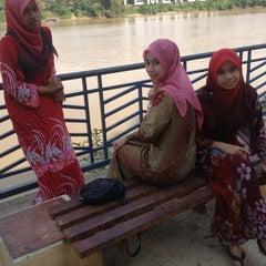 Photo taken at Tepi Sungai Termeloh by Hasmiera H. on 3/23/2013