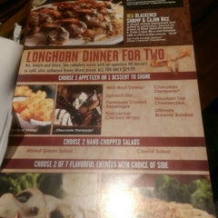 Photo taken at LongHorn Steakhouse by Alexandre M. on 3/22/2015