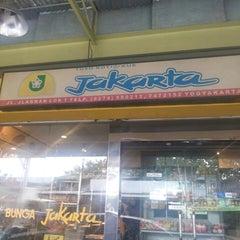 Photo taken at Toko Roti Jakarta by F Ari Wibowo on 8/3/2014