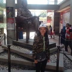 Photo taken at Makam Proklamator Bung Karno by Devia R. on 8/23/2015
