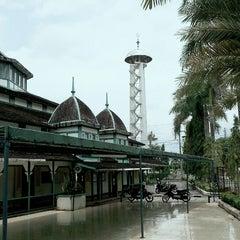 Photo taken at Masjid Jami' Adji Amir Hasanoeddin by Khairul R. on 9/1/2013