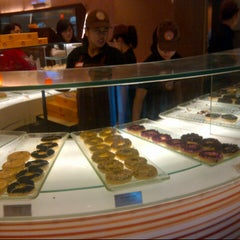 Photo taken at J.Co Donuts & Coffee by PERABOT M. on 6/15/2014