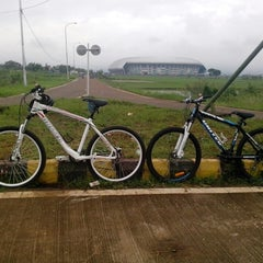 Photo taken at Stadion Gelora Bandung Lautan Api (GBLA) by Risna Inay I. on 3/16/2014