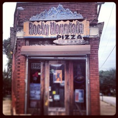 Photo taken at Rocky Mountain Pizza by Etienne P. on 8/15/2013