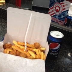 Photo taken at Krunchy Fried Chicken by Aline C. on 8/25/2013