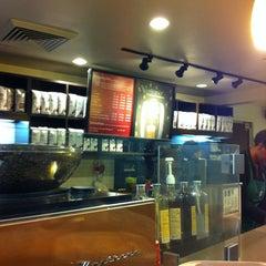 Photo taken at Starbucks by Zunping L. on 12/28/2012