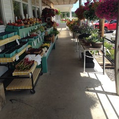 Photo taken at Weaver's Farm Market & Bakery by Mils R. on 7/4/2014