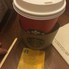 Photo taken at Starbucks by Bya C. on 11/9/2015