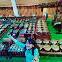 Photo taken at Museum Wayang by Dian P. on 1/25/2016