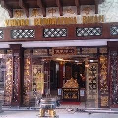 Photo taken at Vihara Buddhayana by Eddy E. on 8/19/2015