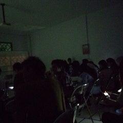 Photo taken at Universitas Ichsan Gorontalo by Tikitaka m. on 3/20/2014