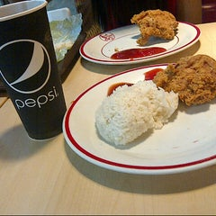 Photo taken at KFC by Mega N. on 3/11/2014
