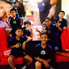 Photo taken at Super Pizza by Alox' S. on 12/5/2013