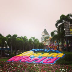 Photo taken at Dream World (ดรีมเวิลด์) by Samson Ariel S. on 7/10/2013