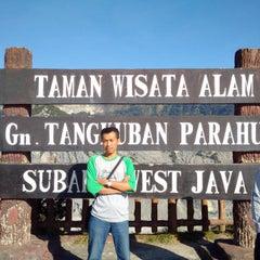 Photo taken at Gunung Tangkuban Parahu by Agus T. on 7/21/2015