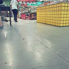 Photo taken at LotteMart Wholesale by Der R. on 5/28/2014