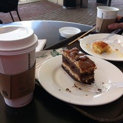 Photo taken at Starbucks   ستاربكس by eLo on 12/29/2012