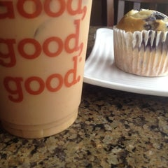 Photo taken at Park Avenue Coffee by Ashlyn B. on 8/5/2012