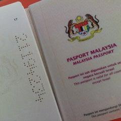 Photo taken at Pejabat Imigresen Negeri Kelantan by Safra S. on 5/30/2013