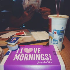 Photo taken at McDonald's by Ney A. on 8/5/2015