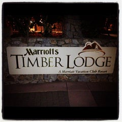 Photo taken at Marriott's Timber Lodge by Kauhi A. on 9/29/2012
