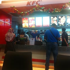 Photo taken at KFC by Rienna M. on 12/15/2013