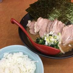 Photo taken at 横浜ラーメン武蔵家 幡ヶ谷店 by おとま on 12/24/2014