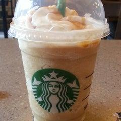 Photo taken at Starbucks by Felipe R. on 9/23/2013
