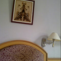 Photo taken at Hotel Zamrud by Jauharudin T. on 12/26/2013