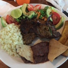 Photo taken at Restaurante Villa Verde by Cesar C. on 10/24/2015
