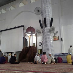 Photo taken at Masjid Sultan Ismail by Halim N. on 6/7/2013