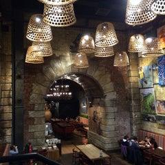 Photo taken at Nando's by Sarfarz S. on 10/23/2014