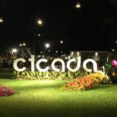 Photo taken at Cicada Market (ซิเคด้า มาร์เก็ต) by Tidajan K. on 4/14/2013