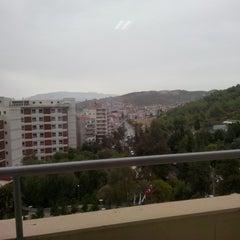 Photo taken at İzmir Ekonomi Üniversitesi M Blok by Murat C. on 10/1/2013
