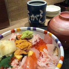 Photo taken at 沼津魚がし鮨 パルシェ6F店 by Kyomi K. on 4/18/2014