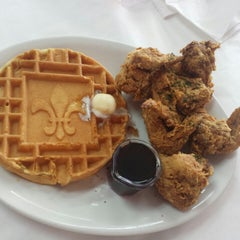 Photo taken at Ma Momma's House of Cornbread, Chicken & Waffles by tazm 1. on 6/9/2014