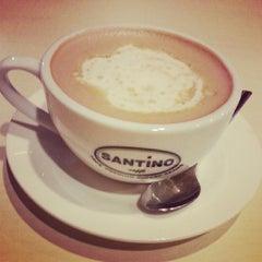 Photo taken at ZingDo & Breeks Cafe by Rolan g. on 6/10/2013