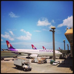 Photo taken at Honolulu International Airport (HNL) by Jayleen S. on 6/7/2013