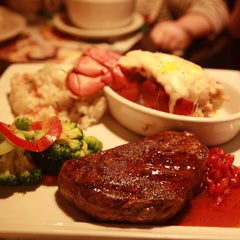 Photo taken at OUTBACK Steakhouse by hwangcaptain . on 11/13/2012