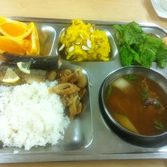 Photo taken at 플라자호텔 사원식당 (The Plaza Hotel Employee Cafeteria) by hwangcaptain . on 11/4/2012